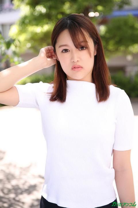 Debut Vol.64 〜初心な美人が初めて感じたドキドキSEX〜 小島さくら