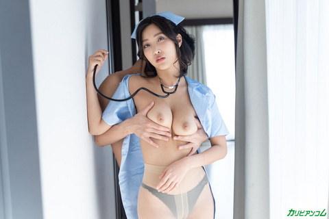 [VR] 忙しくて疲れている時に性欲が高まる彼女にナース服のまま帰宅してもらいました 百多えみり