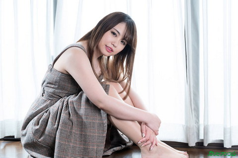 Debut Vol.68 ~レベチな笑顔の初脱ぎグラビアアイドルに連続中出し~ 石田麻美